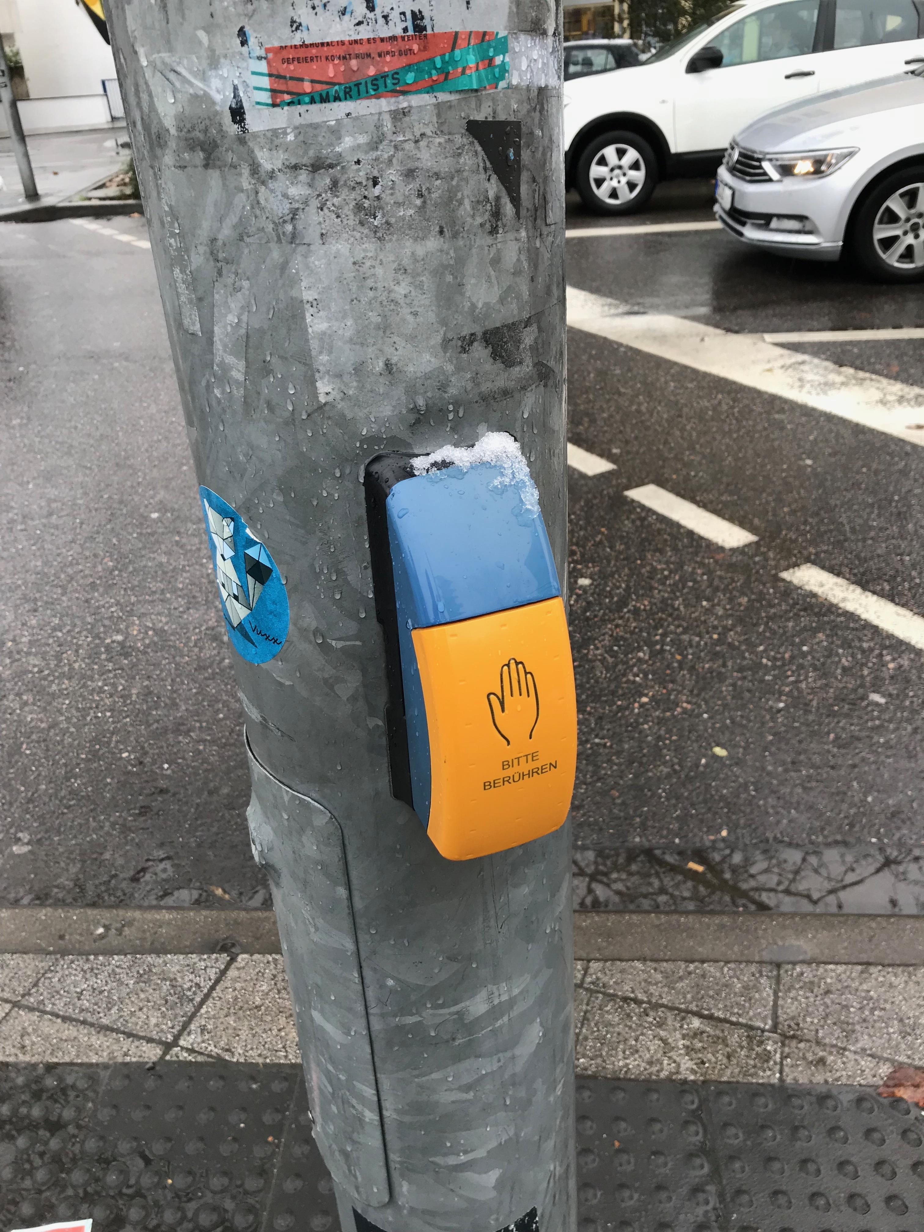 ハイデルベルクの歩行者用押しボタン
